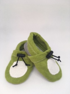 chaussons-vert-creme